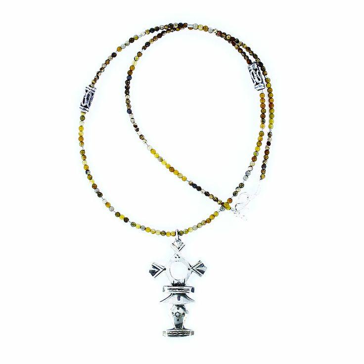 Collier croix du sud en argent et perles marrons bijoux homme ethnique. http://www.laoula-bijoux.com