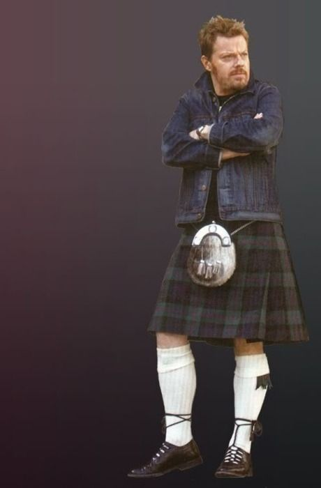 Eddie Izzard in a kilt. Oh Kilts you wonderful things you. All me should wear kilts. Such a plus.