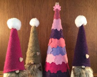 Mr. and Mrs. Gnome set of two tomte/tomte by Gnomes4theHolidays