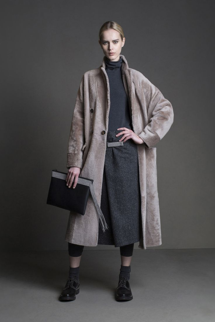 Brunello Cucinelli - This collection was perfect. Relaxed looks complimented with furs perfect brunch in the Fall or cold climate vacations. thestyleweaver.com Fall 2015 Ready-to-Wear