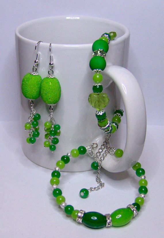 L I M E  4 pieces set  2 bracelets  Pair of earrings by 1000and1, €12.00