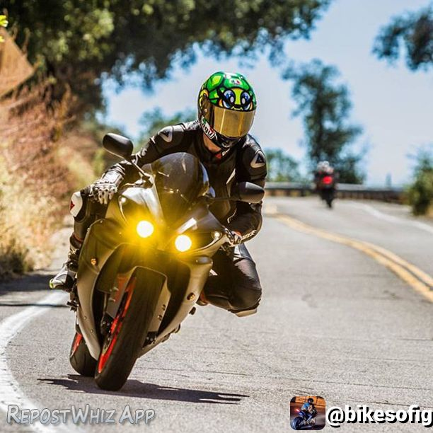 By @bikesofig via @RepostWhiz app: Going into the turn ✌️ Rider: @ericzanutto  Photographer: @stretch1904 #Yamaha #Yamahar1 #yamahar6 #kawi #kawasakiH2R #ktm #zx6r #636 #ninja #zx10r #suzuki #gsxr #gsxr600 #gsxr750 #gsxr1000 #hondacbr #cbr600rr #cbrf4i #cbr1000rr #hayabusa #busa #bmw #hp4 #s1000rr #aprilia #rc8 #rsv4 #bikelife #bikesofig (#RepostWhiz app)