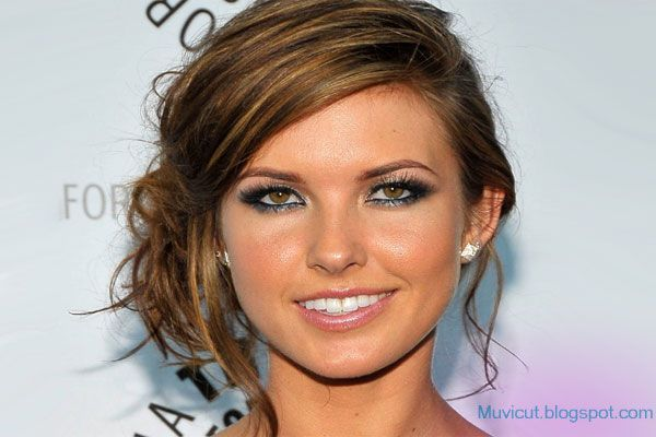 Cute Girls Hairstyles: Easy Messy Updo Hairstyles for Medium Length Hairs
