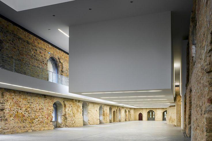 Nieto Sobejano, los valientes Intervención en las ruinas medievales del Museo de Moritzburg en Alemania (2008).