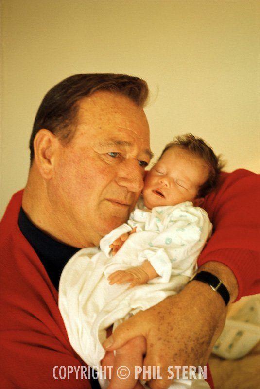 John Wayne 1956 | AÏSSA MORRISON (31 mars 1956) actrice et maintenant procureur.