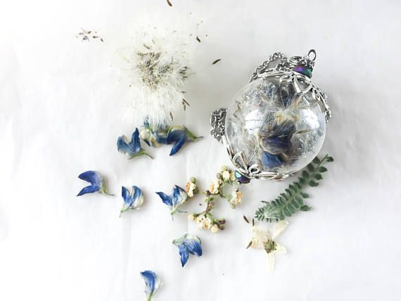 Ehi, ho trovato questa fantastica inserzione di Etsy su https://www.etsy.com/it/listing/520300992/globo-in-vetro-che-racchiude-fiori-di