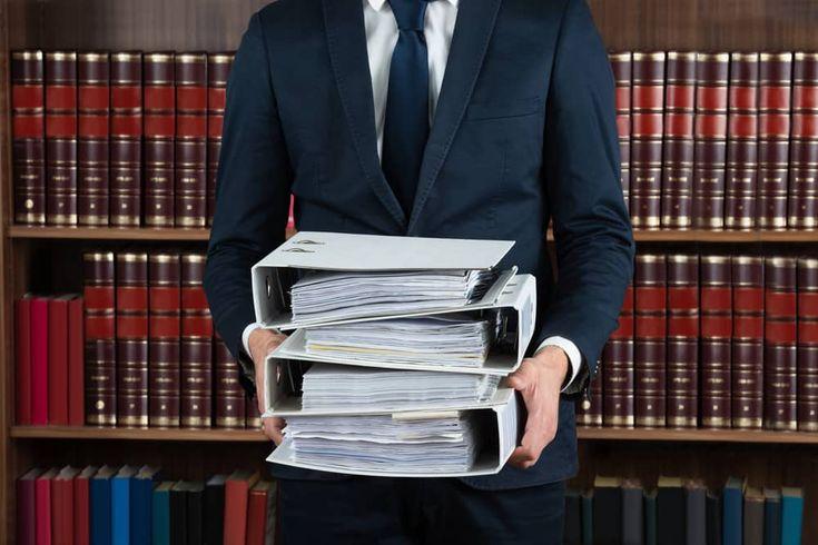 Trybunał Konstytucyjny po stronie podatników. Część z nich może odzyskać nadpłaty z tytułu podatku od nieruchomości -  Jak opodatkować obiekt budowlany, który pomimo posiadania wszelkich cech budynku pełni funkcje budowli? W wyroku SK 48/15 z 13.12.2017 r. Trybunał Konstytucyjny stanął po stronie podatników, oceniając za niezgodne z Konstytucją stanowisko, iż obiekt budowlany spełniający definicję budynku może by... https://ceo.com.pl/trybunal-konsty