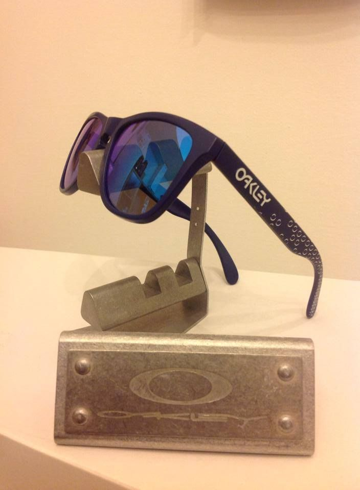 blue oakley frogskins 30qs  Oakley B1B Frogskins Matte Blue w/ Sapphire Iridium!
