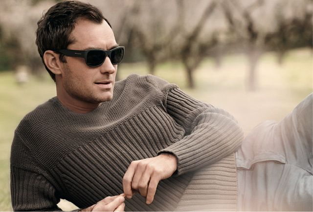 Jude Law by Peter Lindbergh for Vogue Eyewear for Men - Style VO 2381S