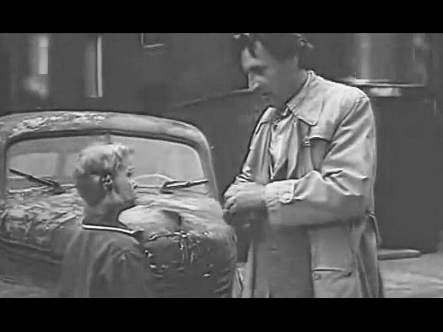 """Wielka, większa i największa – polski film młodzieżowy z 1962 roku w reżyserii Anny Sokołowskiej. Film jest ekranizacją powieści Jerzego Broszkiewicza pod tym samym tytułem. Para głównych bohaterów – nastolatkowie """"Ika"""" i """"Groszek"""", podczas podwórkowej zabawy na trzepaku, zauważają stary, zniszczony samochód – Opla Kapitana, którego właśnie sprezentował sobie ich sąsiad. Niedługo potem """"Groszek"""" staje …"""