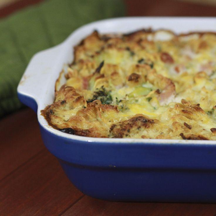 Brokkolis rakott tészta, jó sok sajttal és sonkával – ezt nem lehet megunni