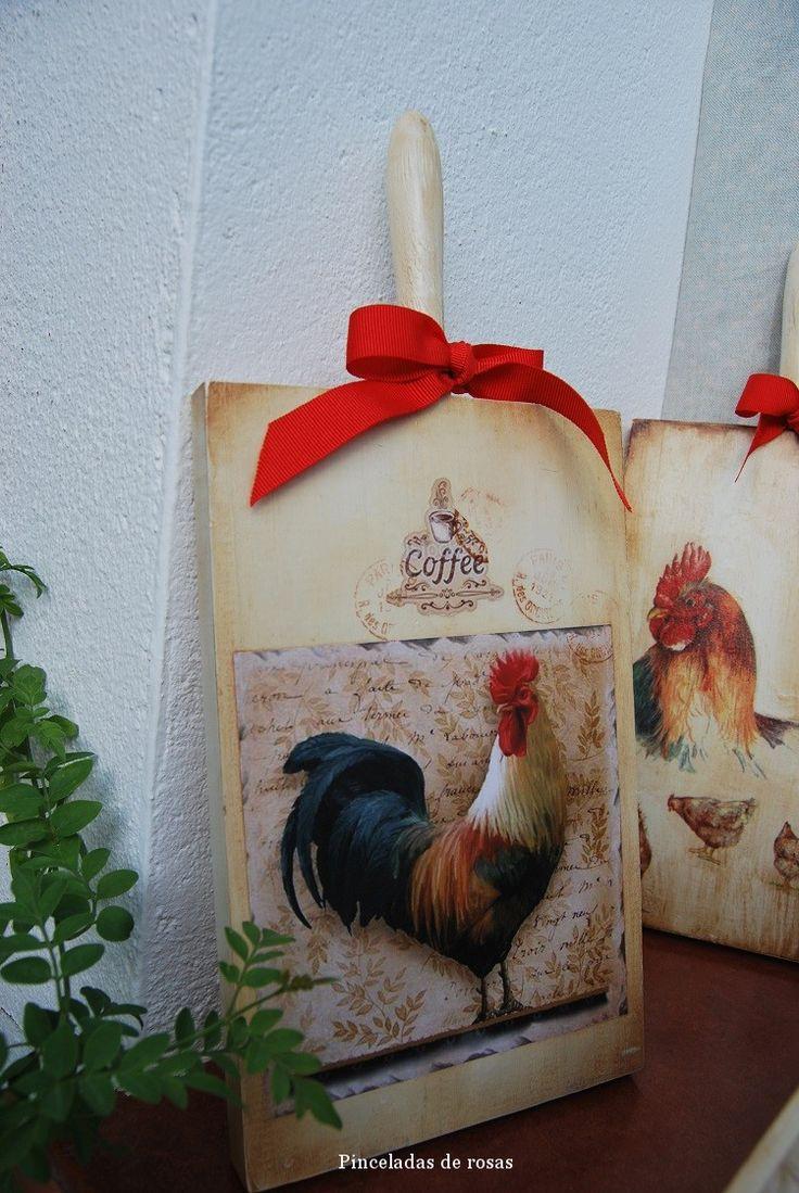 Mis tablas de mcocina decoradas gallos-gallinas (5)