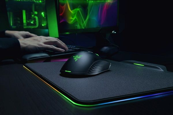 CES 2018: Razer's Mamba HyperFlux is the world's first battery-less wireless gaming mouse - Price Availability Video #AR #AugmentedReality #Gadgets #IoT #MR #MixedReality #Smartwatches #VR #VirtualReality #Wearables  #macOSEden
