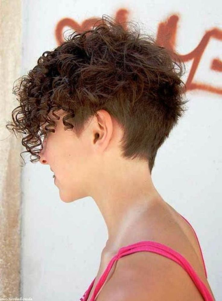 curly short undercut.jpg;  757 x 1023 (@57%)