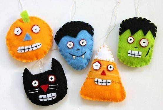 felt bean bags for halloween games by kara