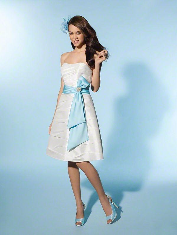 54 best Bridal Fashion images on Pinterest | Wedding frocks, Bridal ...