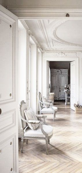 = parquet floors and white mouldings = Paris apartment