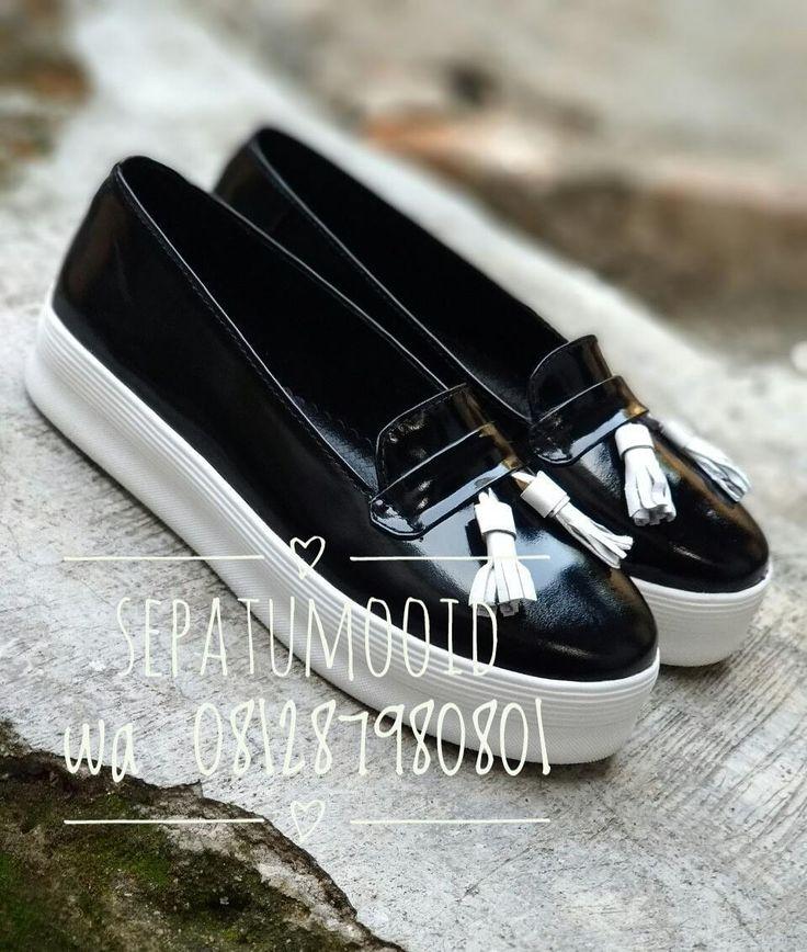 Bismillah... #SepatuKulit Casual Wanita by #SMO  Rp200rb Glossy  Happyday... PO  20hari  Cek bio for order... #SepatuKulitAsli #SepatuCasual #SepatuCewek #CasualCewek #SepatuMagetan #JualSepatu #SepatuMurah #FlatformShoes #SepatuFlat #SepatuCustom #SepatuKantor #SepatuOriginal #Shoes #FlatShoes #WomenShoes #LeatherCraft #LeatherShoes #Footwear #HandMadeShoes #SepatuMooID