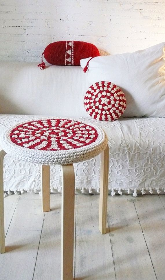 Please allow 7 days before it is ready to ship.  This item is for the Cover Only.  This item is a hand made cover for the FROSTA Stool from IKEA