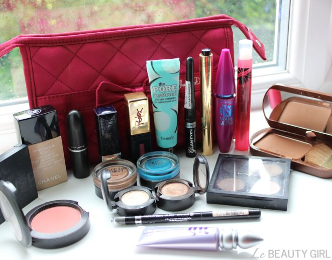 Le Beauty Girl: What's in my Travel Makeup Bag