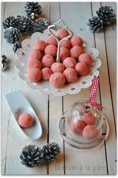 Truffes au chocolat blanc et biscuits roses                                                                                                                                                                                 Plus