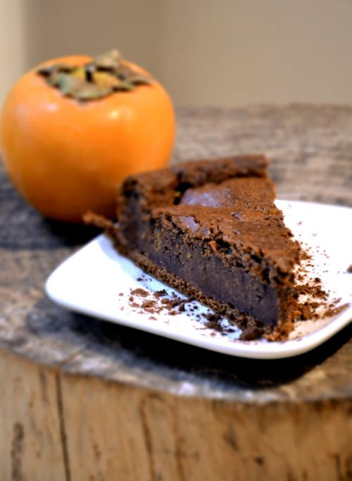 Torta con cachi e cioccolato    CHOCOLATE AND PERSIMMON CAKE