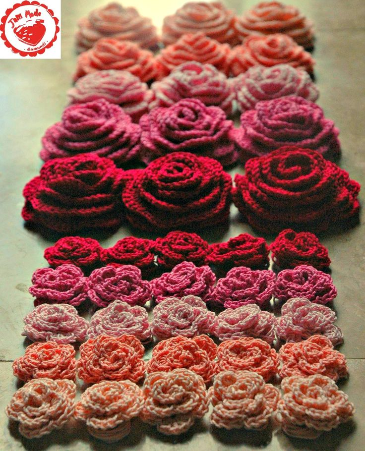 Jam made: Roses and Hearts...free pattern links for the hearts and the large and small roses. ╭⊰✿Teresa Restegui http://www.pinterest.com/teretegui/✿⊱╮
