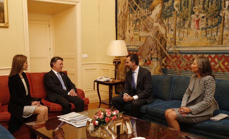 Los Reyes con el Presidente de Colombia y su esposa. Palacio Real de El Pardo. Madrid, 01.03.2015