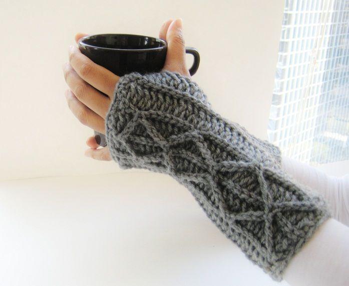 Crochet Fingerless Mitts - Tutorial