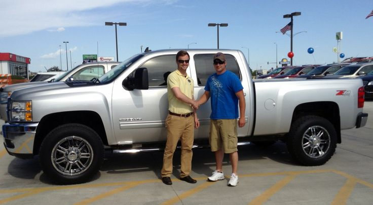 Give a way to Brady Voorhees as he heads home to Doon, IA in his shiny new Chevy Silverado 2500 turbo diesel. Welcome to the Brookings Auto Mall family!  #StopDreamingStartDriving