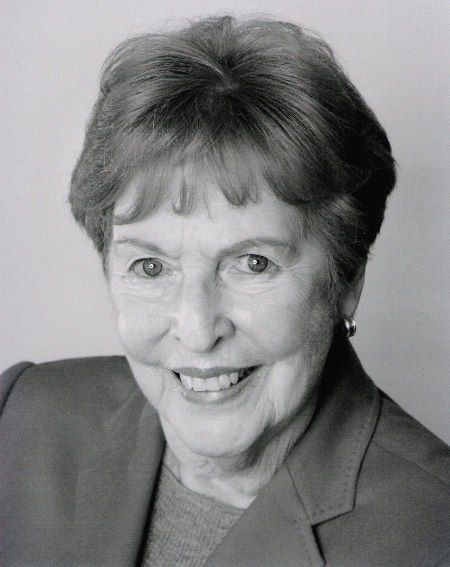 Jean Sincere (August 16, 1919 - April 3, 2013) American actress (o.a. in 'Glee', 'iCarly' and 'The Impossibles').