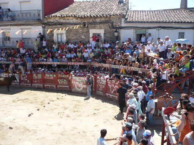 plazas de toros portátiles | Plaza de Toros portatil que se monta durante las fistas del penúltimo ...