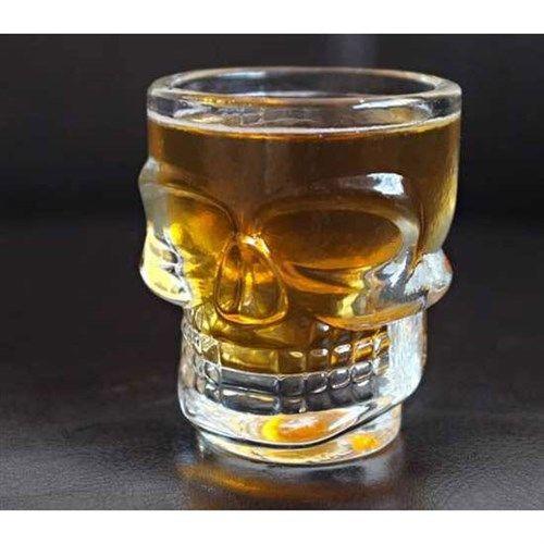 Kurukafa figürü şimdide cam bardaklarda. Erkekler içecekleri ne olursa olsun bu bardaktan asla vazgeçmeyecekler.   http://www.buldumbuldum.com/hediye/crystal_head_shot_glasses_kuru_kafa_shot_bardaklari/