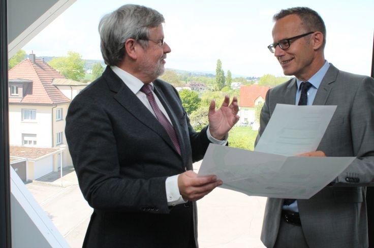 «Es menschelet», sagt Rechtsanwalt Felix Müller, wenn es um die Veräusserung von Liegenschaften geht. Auch bei erbrechtlichen Planungen ist es sinnvoll, dass d... (weiterlesen)