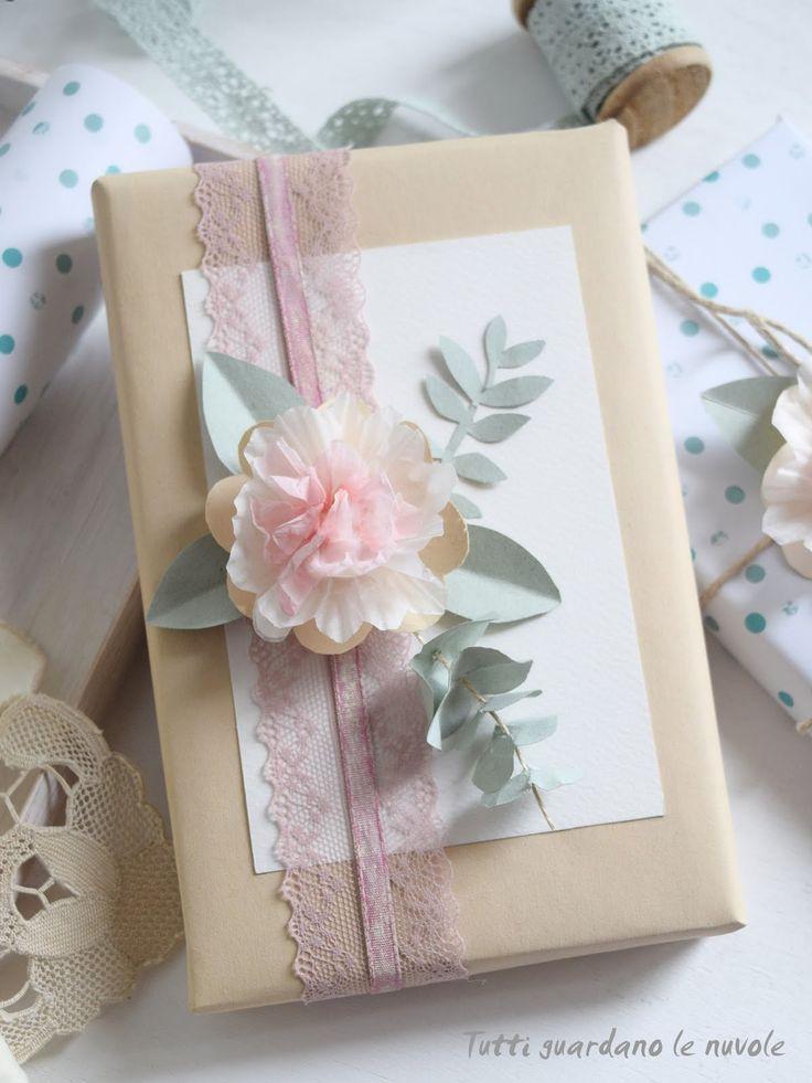 Fiori di carta handmade realizzati con i pirottini dei cupcakes. Tutorial, Paper Flowers, Coroncina, Packaging, Bouquet.