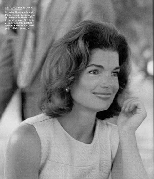 Jackie Onassis. Naturally beautiful...