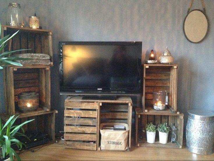 Bekijk de foto van ninasophie11 met als titel Deze 'televisiekast' heb ik gemaakt van oude fruitkisten! en andere inspirerende plaatjes op Welke.nl.