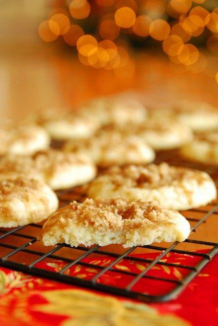 12 Days of Cookies: Shortcut Sour Cream Coffee Cake Cookies #BabyCenterBlog #12DaysofCookies #SugarMamaCooks