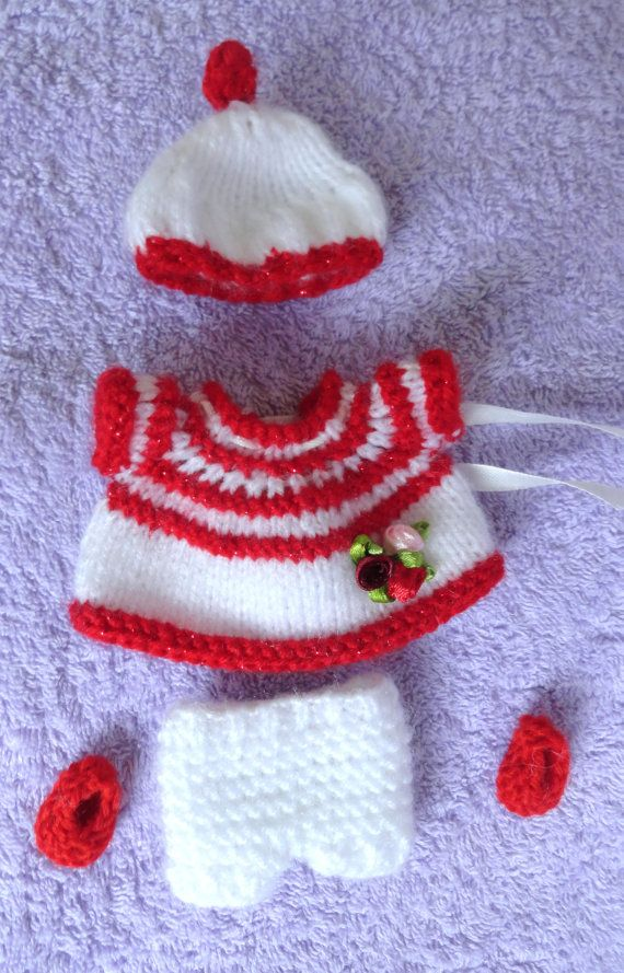 Check out this item in my Etsy shop https://www.etsy.com/listing/216215235/hand-knitted-dolls-clothes-for-35-4-ooak