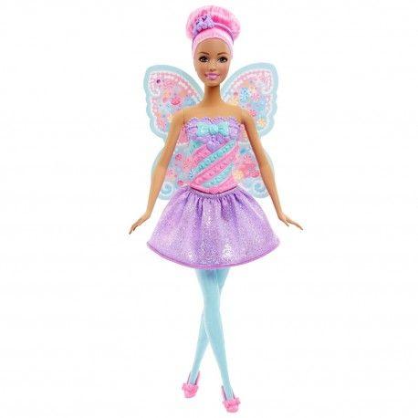 Barbie Fairytale Fee met versierd snoep op haar vleugels! De Barbie Fairytale Fee Edelsteen wordt geleverd met vleugels, rok, schoenen en een haaraccessoire.  Afmeting verpakking 33 x 13 x 6.5 cm Geschikt voor kinderen vanaf 4 jaar.
