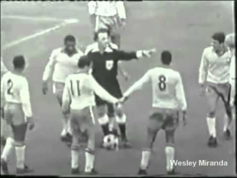 Alemanha 1x2 Brasil 05/05/1963 - Volksparkstadium Hamburg - The day when the Brazilian team with 8 Santos FC players beat Germany in Hamburg by 2-1