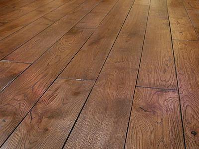 podłoga - drewniane deski