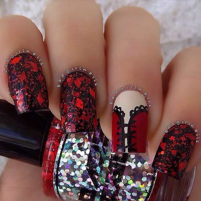 Black With Red Corset Accent Nail Art Pretty ¸.✿´´¯`•.¸¸. ི♥ྀ.