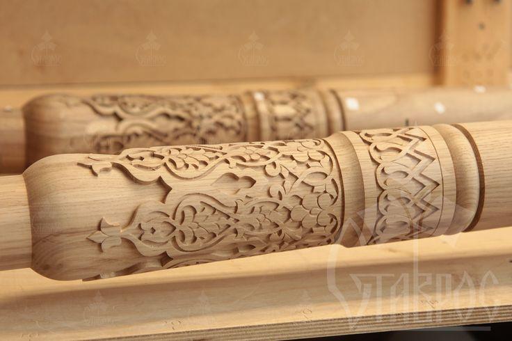 Резные колонны из массива дуба в Восточном стиле. #декор #резьба #дизайн Carved columns made of oak in the Oriental style. #decor #wood #wooden #art