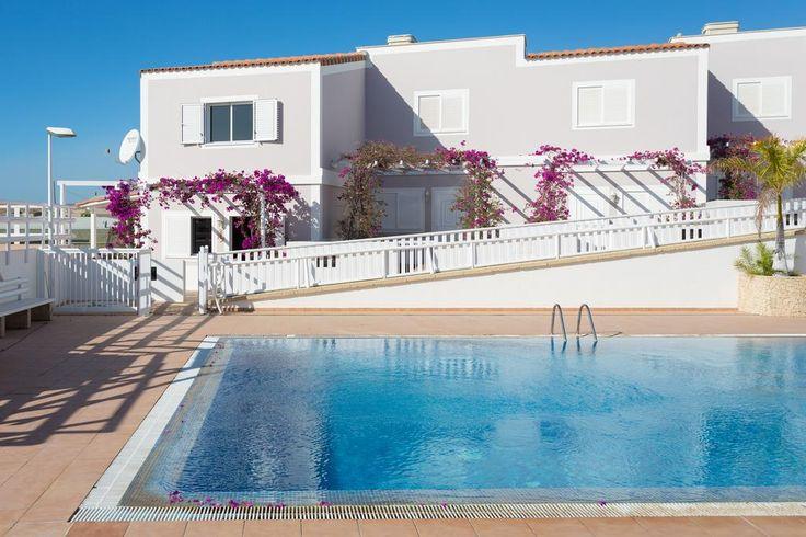 £587, South coast, beach 200yd, restaurants 5 min drive, pool