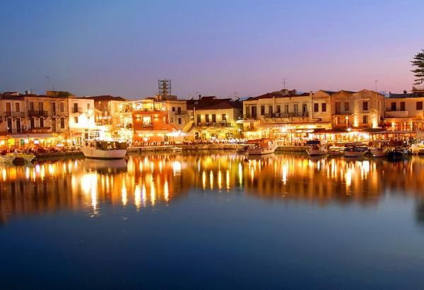 The old harbour of Rethymno at night!
