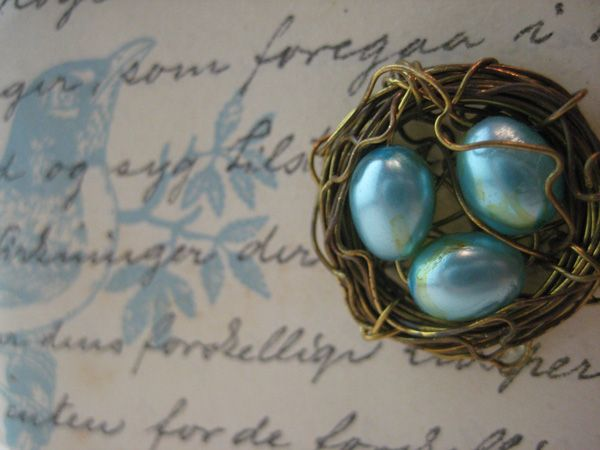What a neat idea!! Tiny bird nests with eggs... DIY with wire and beads. How pretty, and what a cute favour at a baby shower. :): Craft, Jewelry Making, Bird Nests, Tutorial, Jewelry Idea, Nest Jewelry