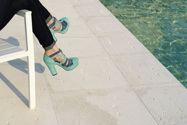 by the pool. Weekend Barber SS12