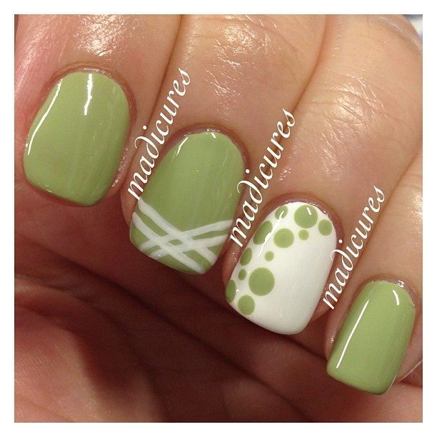 Uñas tonos verdes