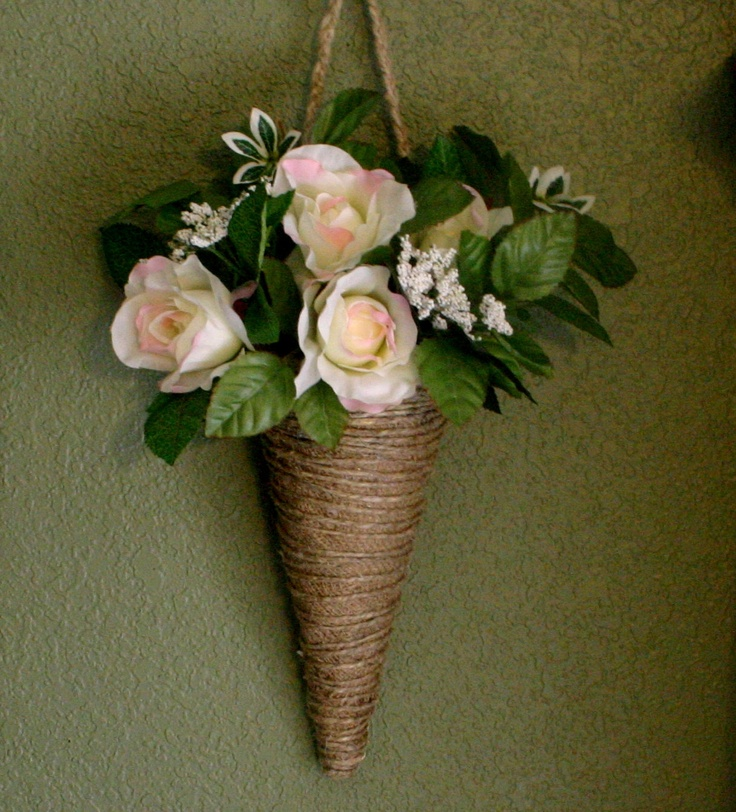 Burlap cone flower holders, housewares, flower girls and bridesmaids, burlap wedding decor, home decor. $25.00, via Etsy.